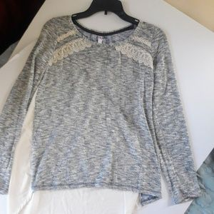 LONG SLEEVE TOP LIGHT SWEATER SIZE L WITH LACE